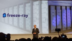 パナソニックはCESで行われた記者会見で、光ディスクをサーバー向けに使う「freeze-ray」を発表した
