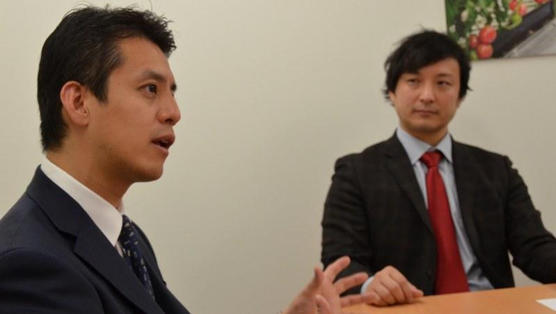 アメリエフの山口昌雄社長(左)とリバネスの丸幸弘CEO