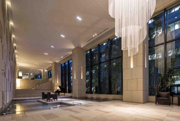 「グローバルフロントタワー」のエントランスホール