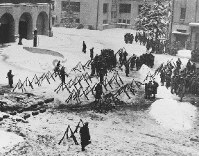 2・26事件で反乱軍に占拠された警視庁=1936年2月26日撮影
