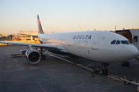 成田空港で多くの米国便を就航しているデルタ航空。今後、動向が注目される=成田空港で