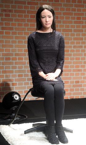 アンドロイド演劇「さようなら」で登場するアンドロイド=香川県善通寺市文京町3で、玉木達也撮影