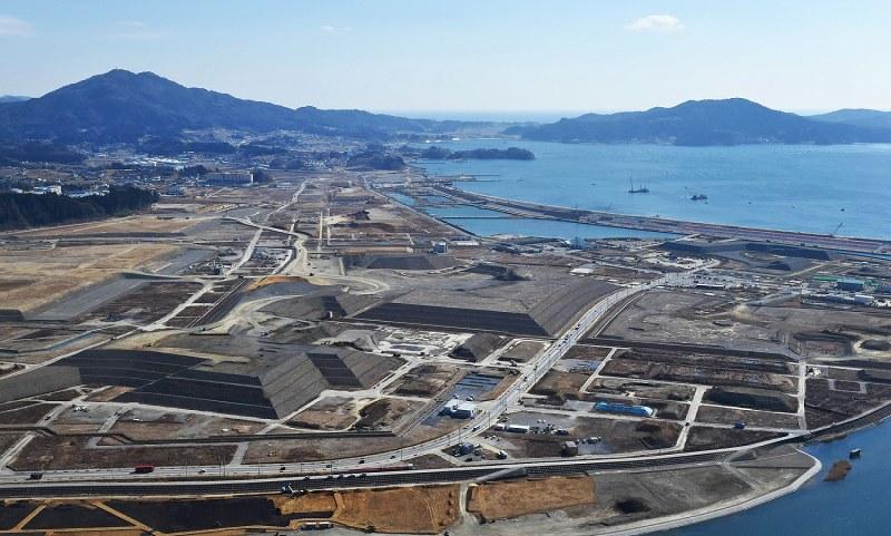 東日本大震災5年:大規模かさ上げの「光と影」 様変わりする ...