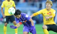 佐藤はJ1覇者として臨んだ昨年のクラブワールドカップでも躍動した=2015年12月20日、日産スタジアムでの3位決定戦・広州恒大戦で、長谷川直亮撮影
