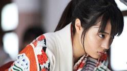 (C) 2016 映画「ちはやふる」製作委員会 (C) 末次由紀/講談社
