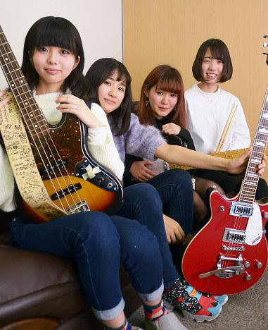 少女バンド:高知小津高出身、4...