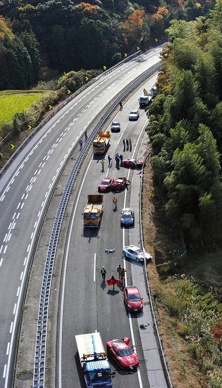 事故 中国 自動車 道