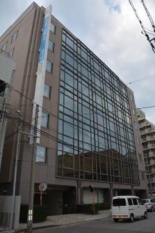 県内商業地で地価上昇率トップとなった新潟市中央区万代2の新潟東京海上日動ビル=新潟市中央区で