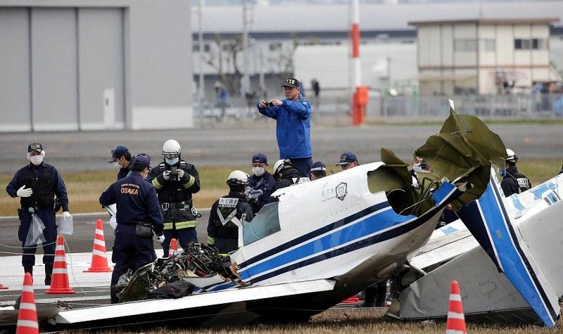 小型機墜落 :航空事故調査官が...