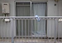 少女が寺内樺風容疑者に監禁されていた部屋。カーテンがしっかり閉められていた=東京都中野区で2016年3月28日午前7時41分、梅村直承撮影