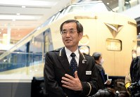 Hideyuki Miura, head of the Kyoto Railway Museum, responds to questions from reporters at the museum in Kyoto's Shimogyo Ward, on April 1, 2016. (Mainichi)
