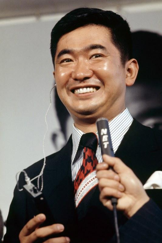 衆議院議員に初当選した当時の石原慎太郎氏。若手議員時代は「反田中」の急先鋒だった=1972年12月11日、中村太郎撮影