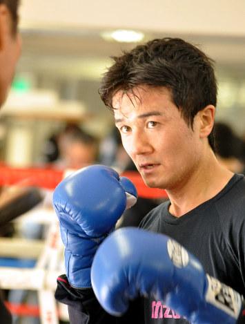 ボクシング:前王者・木村悠が現...