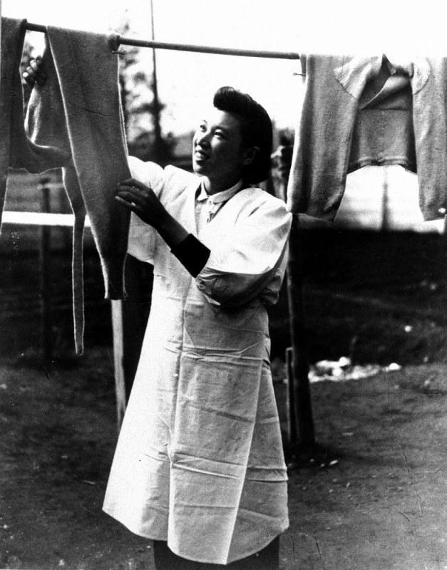 女性政治参加70年:日本初の女性...