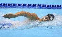 男子1500メートル自由形決勝を制した山本耕平=東京辰巳国際水泳場で2016年4月10日、梅村直承撮影