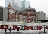 復元工事が進む東京駅の丸の内駅舎=2012年3月2日撮影