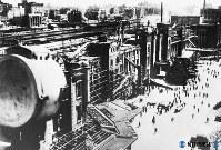 空襲で破壊された終戦直後の東京駅=1945年8月撮影