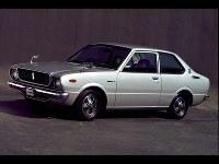 30セダン1400デラックス=1974年04月26日発表