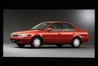 1.6SE-Saloon4WD(レッドマイカメタリック) =1997年04月21日発表