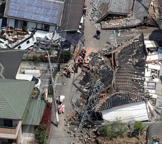 熊本地震:政府、激甚災害に指定...