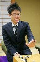 史上最年少で囲碁名人位を獲得した井山裕太八段=静岡県熱海市で2009年10月15日午後6時14分、長谷川直亮撮影