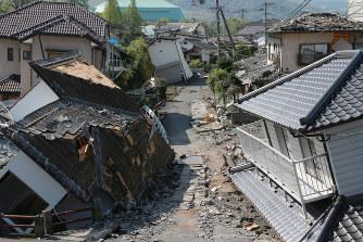 熊本地震:気象庁「収まる気配は...