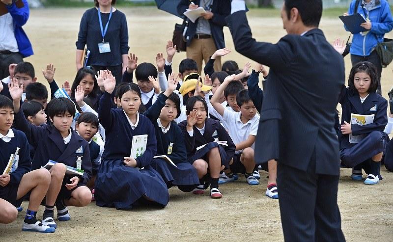 11日ぶりの友達…熊本市で小学校1校が再開