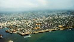 上空から見た復帰の日の那覇市全景=沖縄県那覇市で1972年5月15日