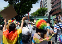A view of Tokyo Rainbow Pride 2016, which was held on May 7 and 8, 2016 in and around Yoyogi Park in Tokyo's Shibuya Ward. (Mainichi)
