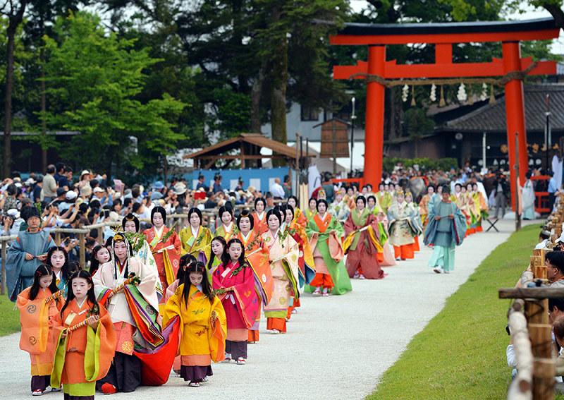 葵祭:初夏彩る、王朝絵巻 京都 ...