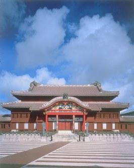 世界文化遺産・琉球王国のグスク及び関連資産群(2000年登録) 写真は首里城