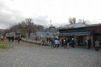 12月の廃止を前に「駅 STATION」の舞台、増毛駅には多くの鉄道ファンや観光客が訪れている=北海道増毛町で、1日午後、庄司哲也撮影
