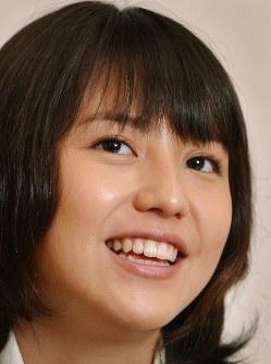 「ドラゴン桜」では普通の女子高生に。インタビューに答える長澤まさみさん=TBS緑山スタジオで2005年6月15日、小林努撮影