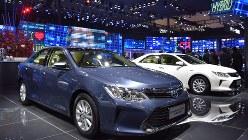 華やかな北京モーターショーの会場。世界の主要メーカーが最新モデルを投入した=2016年4月25日、赤間清広撮影