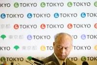 記者会見に臨む舛添要一東京都知事=都庁で2016年5月20日午後2時、小出洋平撮影