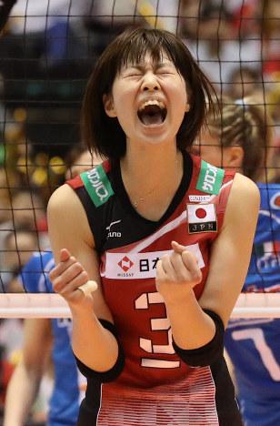 女子バレー:日本執念、リオ切符...