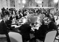 【1979年先進国首脳会議】第5回先進国首脳会議(東京サミット)は6月28~29日、東京・港区の迎賓館で開催された。