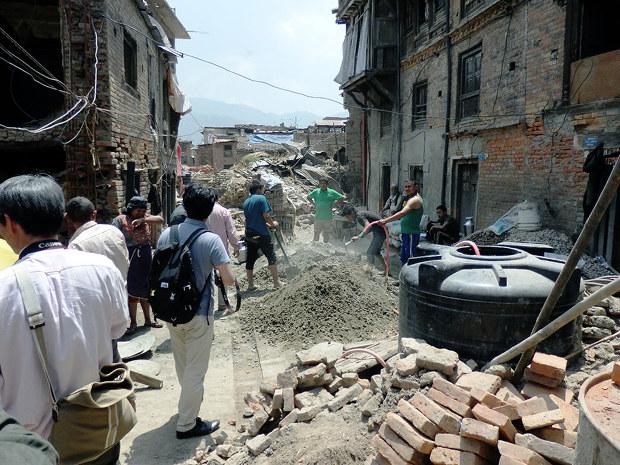 地震 ネパール 大