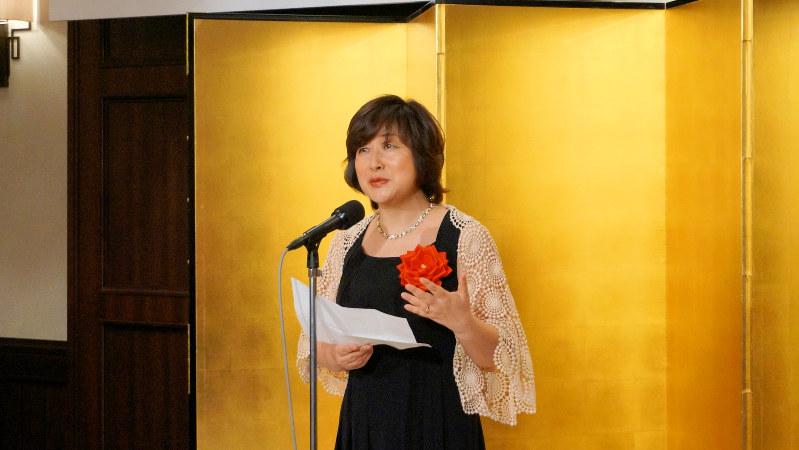第5回日本医療小説大賞を受賞し、スピーチを行う中島京子さん