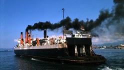 青函連絡船の「第八青函丸」=1964年(昭和39年)8月