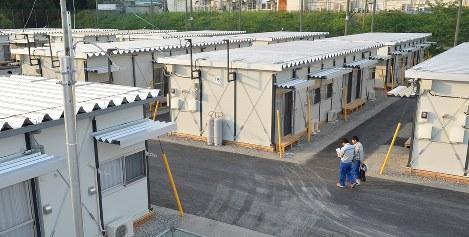 被災者向けに提供される仮設住宅=熊本県甲佐町で2016年6月3日、大西岳彦撮影