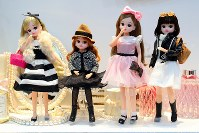 Dolls from the Licca-chan Bijou Series, whose adult-like dolls can be enjoyed while dressed up in different fashion styles, are seen on June 9, 2016, in Tokyo's Koto Ward. (Mainichi)