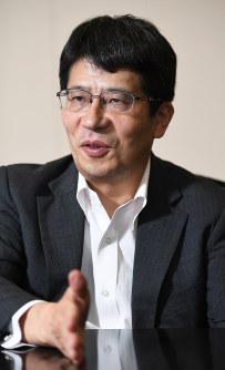日本総研副理事長の湯元健治さん=中村藍撮影
