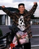 プロ野球担当記者が選ぶ1994年度ペナントレースの最優秀選手(MVP)に、パ・リーグ史上初の200本安打達成したイチローが選ばれた。21才のMVPは、1957年の稲尾和久投手(西鉄、20才)に次ぎ、野手としては最年少記録=神戸・グリーンスタジアム神戸で、1994年10月31日撮影