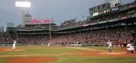 【レッドソックス0-3マリナーズ】三回表無死、イチローを中飛に打ち取った松坂大輔=米マサチューセッツ州ボストンで2007年4月11日、須賀川理撮影