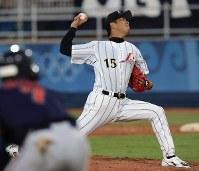 【日本8-3オランダ】四回からロングリリーフの黒田博樹=野球センターで2004年8月16日、川田雅浩撮影