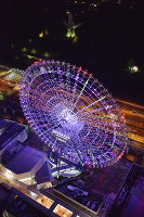 The Redhorse Osaka Wheel is lit up on the night of June 23, 2016, in Suita, Osaka Prefecture. (Mainichi)