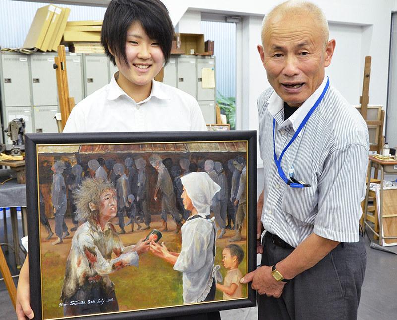 被爆者の消えぬ記憶、広島の高校生が絵に