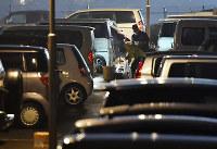 多くの被災者が長期間の車中泊を強いられた=熊本県益城町で4月25日、須賀川理撮影