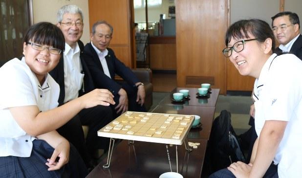 囲碁 の 専門 家 の 団体